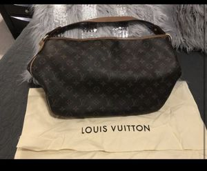 Women's Louis Vuitton bag for Sale in Adams, TN