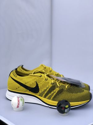 """Nike Flyknit Trainer """"Bright Citron"""" AH8396-700 Mens 8 Womens 9.5 for Sale in Fort Washington, MD"""