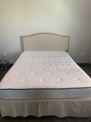 Standard Queen Bed set for Sale in Nashville, TN