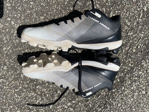 Men's UnderArmour baseball cleats size 9 for Sale in Brentwood, PA