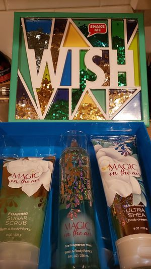 Bath and body gift set for Sale in Columbus, OH