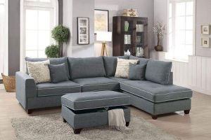 LIGHT GREY SECTIONAL SOFA COUCH REVERSIBLE CHAISE STORAGE OTTOMAN ACCENT PILLOWS for Sale in Tulsa, OK