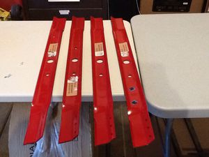 "SNAPPER 33"" LAWN MOWER BLADES for Sale in Burton, MI"