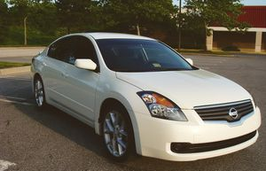 Well maintained 2007 Nissan Altima Rear camera for Sale in Poway, CA