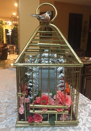 Frame with birdcage decor for Sale in Bakersfield, CA