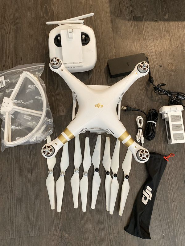 DJI Phantom 3 Professional Camera drone 4k. In perfect working condition.