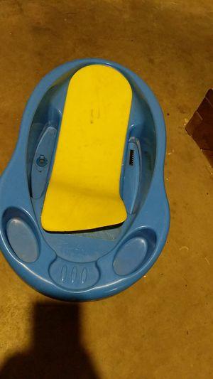 Baby bath tub free for Sale in Dublin, OH