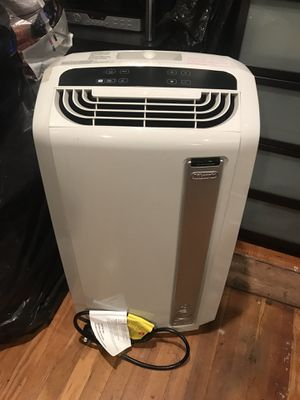 DeLonghi Pinguino 14,000 BTU Portable Air Conditioner w/ Heat Pump Model: PAC AN140HPEWS for Sale in Compton, CA