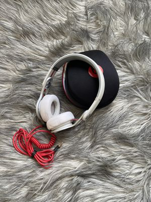Beats by Dr. Dre White Wired Headphones for Sale in Dumfries, VA