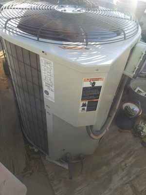 AC unit working condition for Sale in Apple Valley, CA