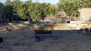 12 ft Jon Boat, with trolling motor for Sale in Phoenix, AZ