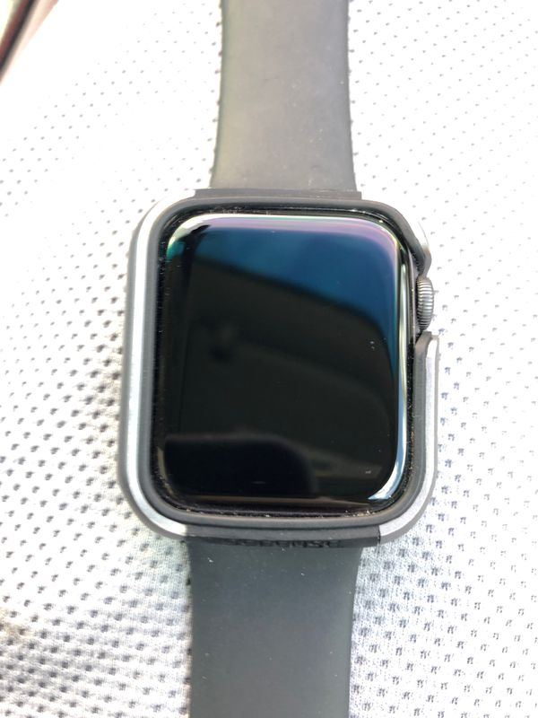 Apple Watch Series 4 44mm with M/L sport band