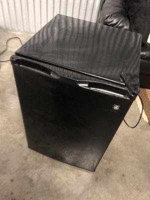 Mini refrigerator cooler for Sale in Orlando, FL