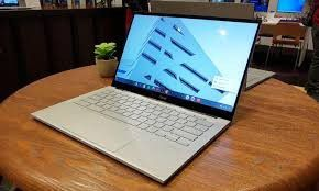 Apple laptop for Sale in Redding, CA