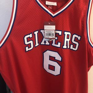 Mitchell &ness 76ers Size 2x Allen Iverson for Sale in Santa Ana, CA