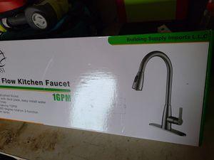Kichen faucet color broshed nickel for Sale in Dallas, TX