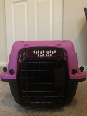 Never used Petmate Pink Fashion Carrier for Sale in Puyallup, WA