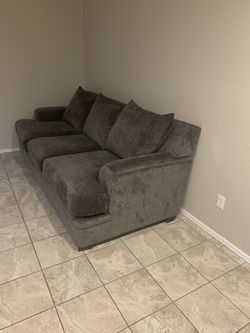 """96"""" 3-Cushion Gray Couch (Like Brand New) for Sale in Tempe,  AZ"""