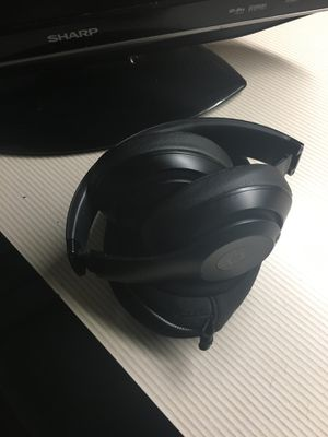 Beats wireless headphone for Sale in Gahanna, OH