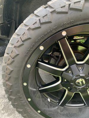 """Fuel Off-RoadMAVERICKGloss Black w/Milled Accent 22"""" rims for Sale in North Miami, FL"""