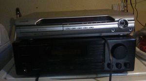 Onkyo audio video control tuner amplifier R1/. And a Sony s-master digital amplifier 5 disc CD changer for Sale in Fresno, CA