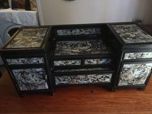 Small cabinet shelf for Sale in Modesto, CA