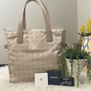 Authentic Chanel Large Tote for Sale in Los Angeles, CA