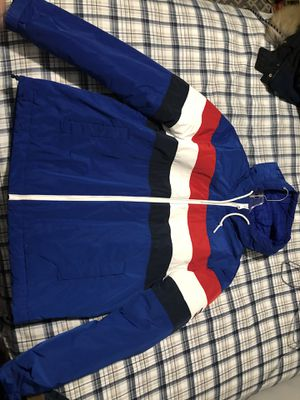 Tommy Hilfiger size M for Sale in Silver Spring, MD
