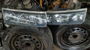 2003 saturn vue headlights for Sale in Laurel, MD