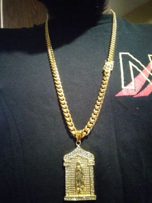Gold filled Cuban link chain with pendant for Sale in Hartford, CT