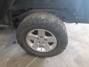 "Jeep wrangler 2014 wheel rim 17"" parts parting out spare tire for Sale in Miami, FL"