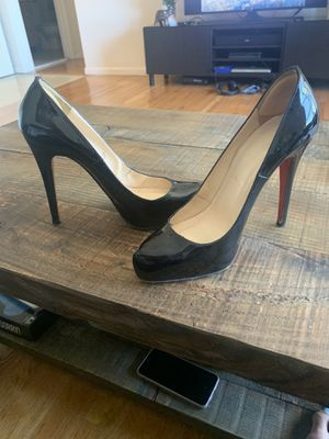 Black patent leather Dorissima Louboutin size 38 for Sale in Linden, NJ