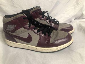 June 2012 Nike Dunk Men Shoe High Purple & Grey SZ8.5 for Sale in Chicago, IL
