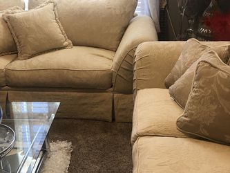 Sofa and Love Seat Set for Sale in Laveen Village,  AZ