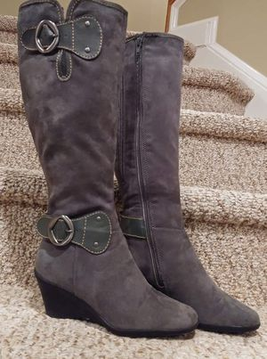 New Women's Size 5 Aerosoles Boots [Retail $99.99] Gray Suede Leather Wedge for Sale in Woodbridge, VA