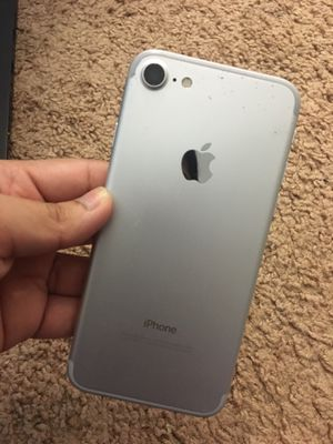 iPhone 7 128 GB UNLOCKED for Sale in Wheaton, MD