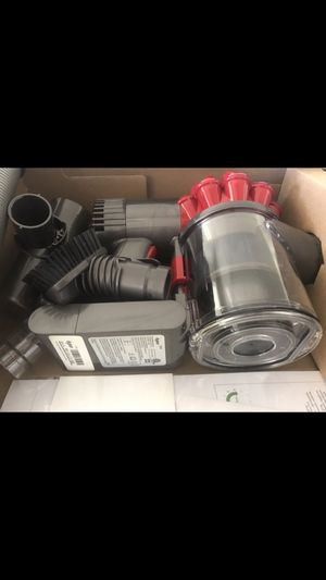 Dyson cordless vacuum for Sale in El Paso, TX