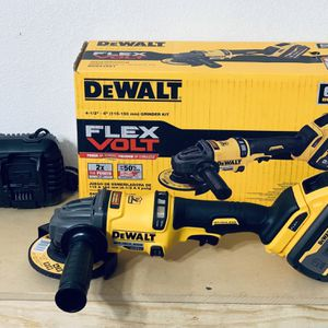 Grinder Dewalt 60v for Sale in San Antonio, TX