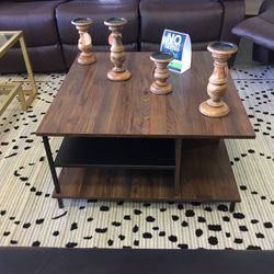 Wood Coffee Table for Sale in Glendale Heights,  IL