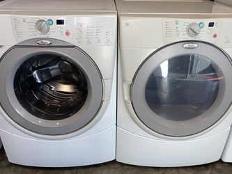 WHIRLPOOL XL CAPACITY WASHER DRYER ELECTRIC SET for Sale in Vancouver,  WA