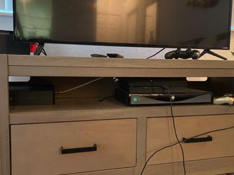 TV Table - Great Condition for Sale in Fort Lauderdale,  FL