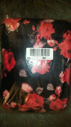 Victoria's Secret Sherpa Throw Blanket for Sale in ELEVEN MILE,  AZ