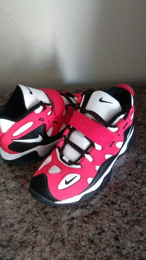 Kids red and white Nikes kids size Boys 6 youth for Sale in Manheim, PA