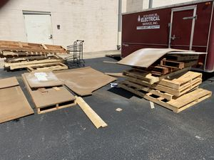 Free pallets for Sale in Sterling, VA