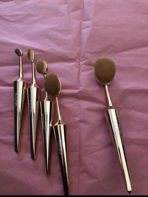 A set of makeup's brushes for Sale in Riverside, CA
