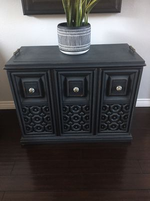 Small buffet or end table for Sale in Riverside, CA
