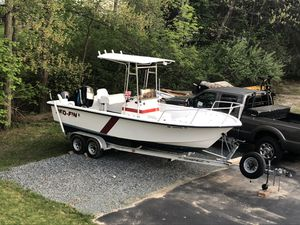 2001 23' cc fishing boat for Sale in Wrentham, MA