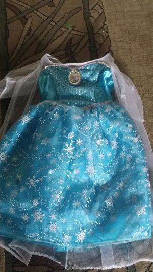 Else dress with crown for Sale in Winton, CA