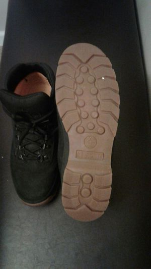 TIMBERLAND BOOTS MENS SIZE 10.5 BLACK WITH GUM PEANUT BUTTER BOTTOMS 9/10 CONDITION for Sale in Columbus, OH