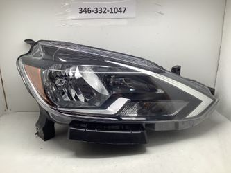 2016 2018 Nissan Sentra right headlight for Sale in Houston,  TX